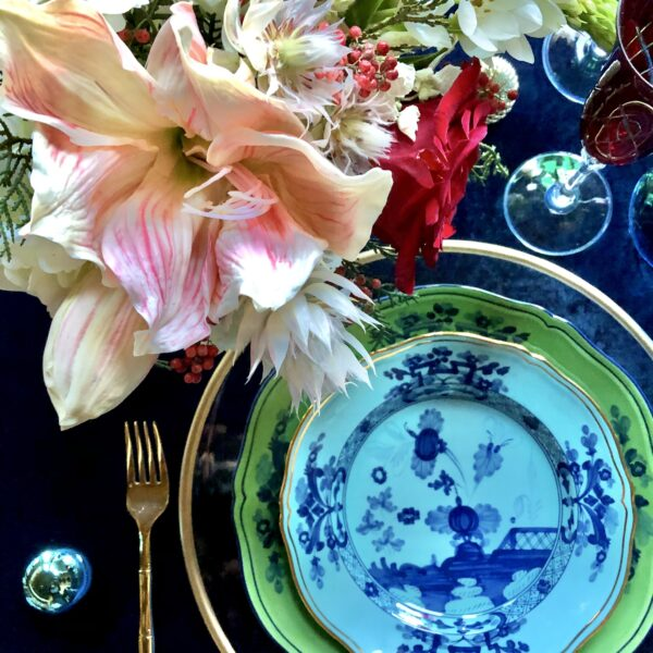 12 Tips to Set a Beautiful Christmas Table