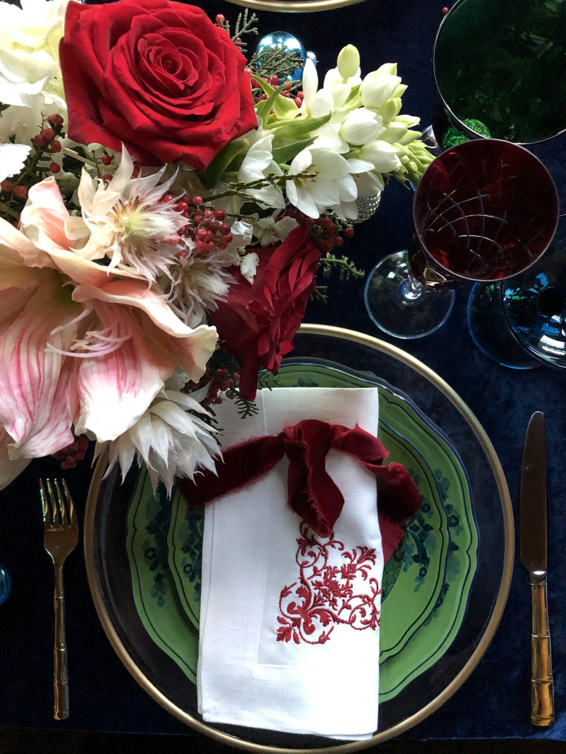 Christmas table with Richard Ginori Oriente Italiano plates