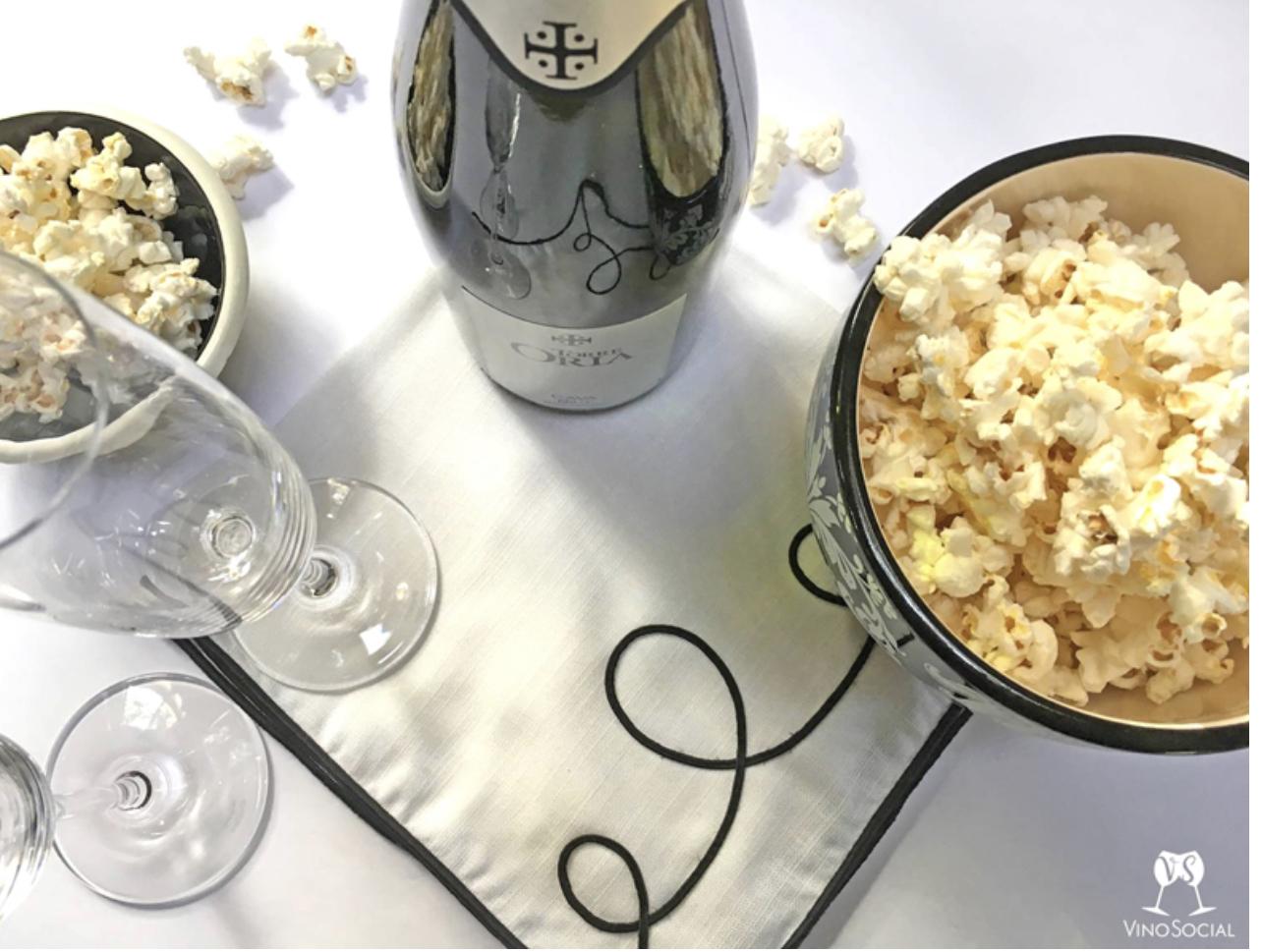 Sparkling wine and popcorn pairing