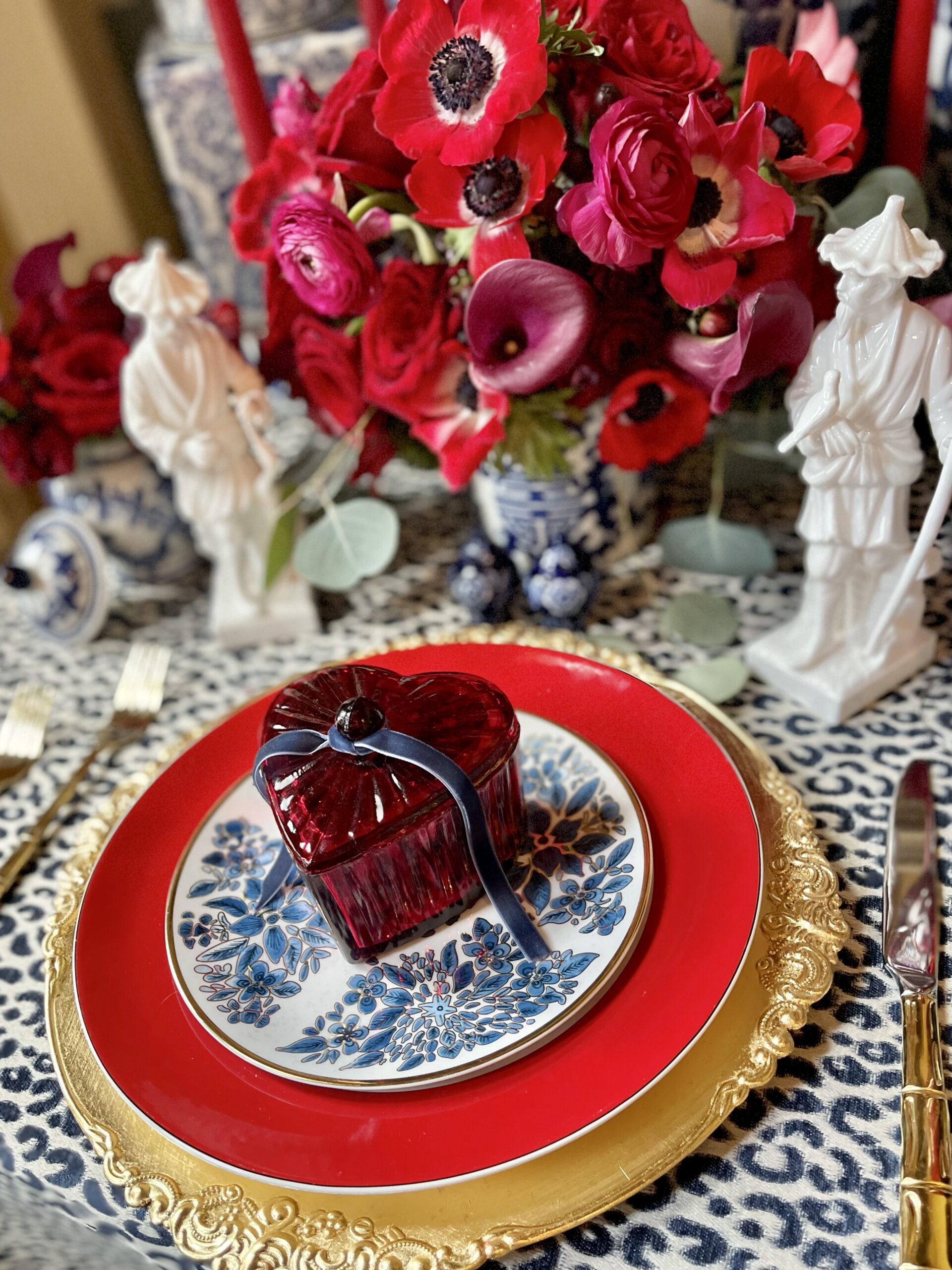 valentine table place setting