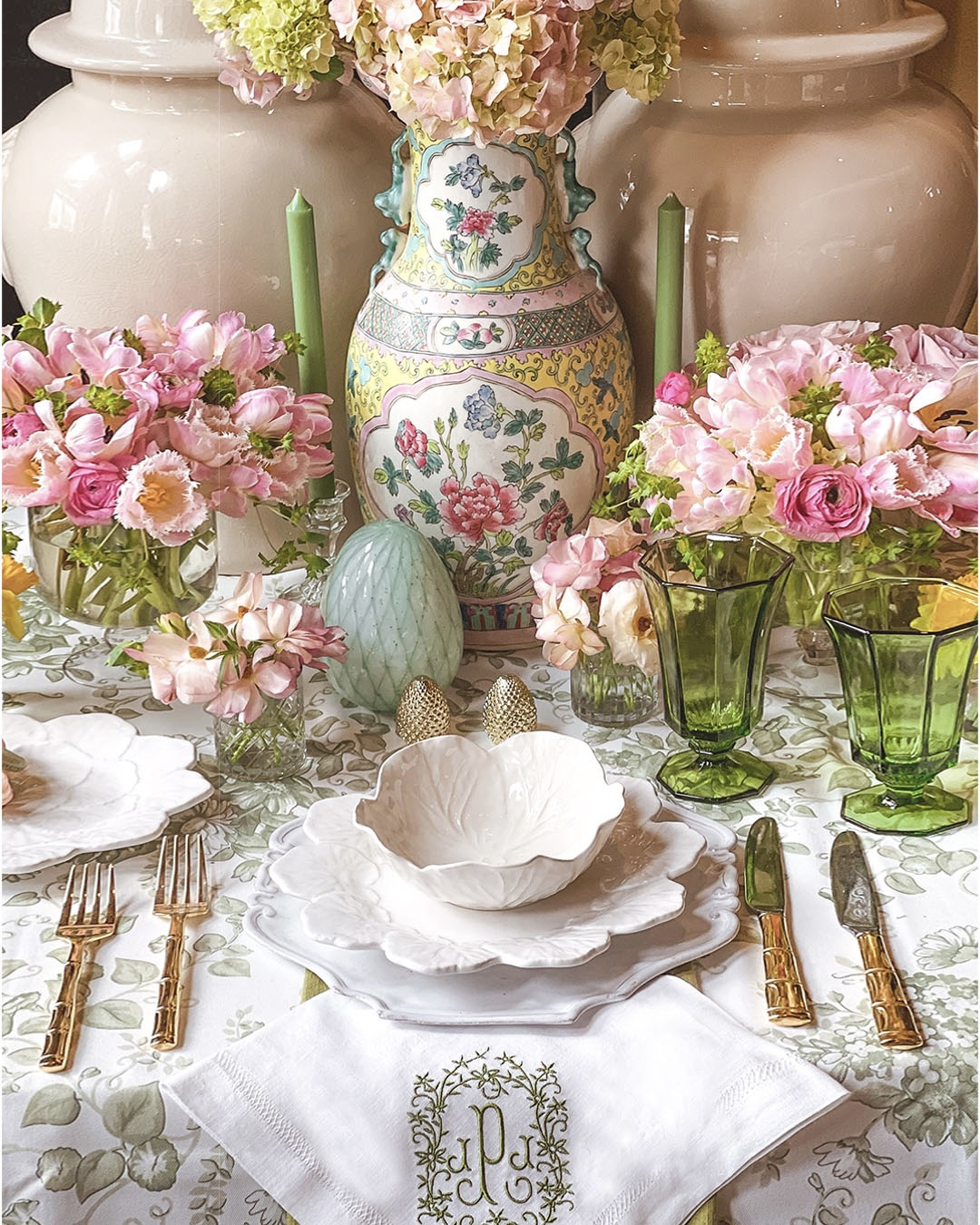 Easter Table with white cabbage plates
