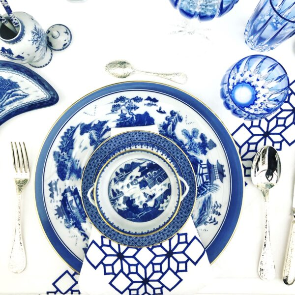 12 Blue and White Placesettings