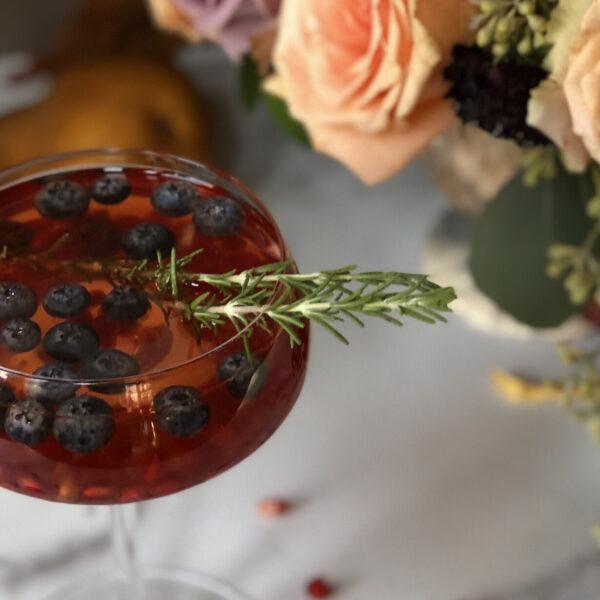 Sparkling Pomegranate Spritzer Cocktail/Mocktail